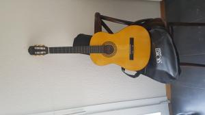 Je vendre une guitare