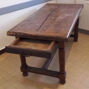 Table ancienne en chêne du XVIIème siècle