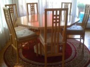 table avec 5 chaises plus commode