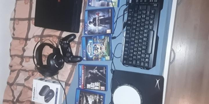 Je vend ma ps4 manette jeux clavier souris casque gamer