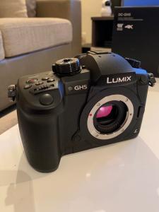 Panasonic Lumix DC-GH5 Schwarze Fotokamera 20MP