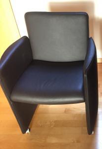 1 pièce: fauteuil en cuir brun foncé