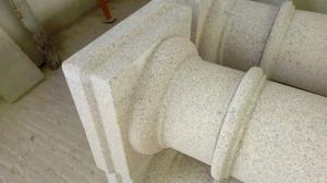 Poteaux en pierre naturelle