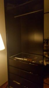 Urgent-Vente Belle armoire IKEA