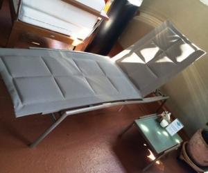Chaise longue avec coussinets