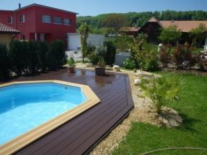Plage de piscines en bois composite