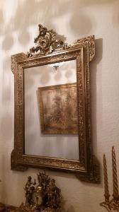 Superbe miroir ancien avec Fronton