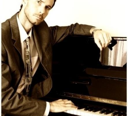 Pianiste chanteur dj anime vos soirées