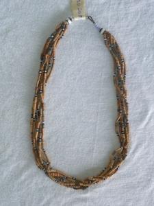 Joli collier artisanale africain