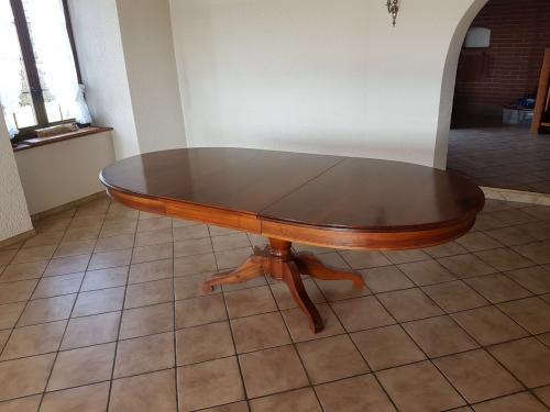 Magnifique table extensible en noyer massif