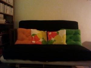 Canapé futon IKEA 140x200 très bon état