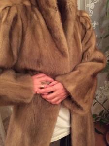 Très beau manteau de vison beige clair