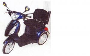 Scooter trois roues pour personne âgée ou handicapée