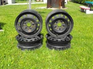 4 roues complète avec pneu d