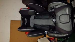 2 siège de voiture pour enfants
