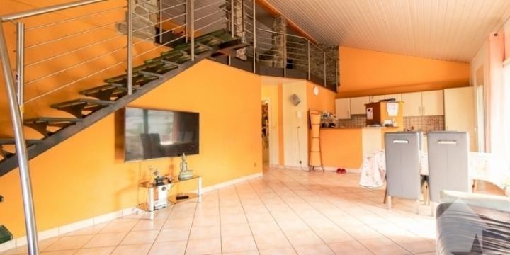 Bel appartement en attique de 4.5 pièces avec grand espace mezzanine !