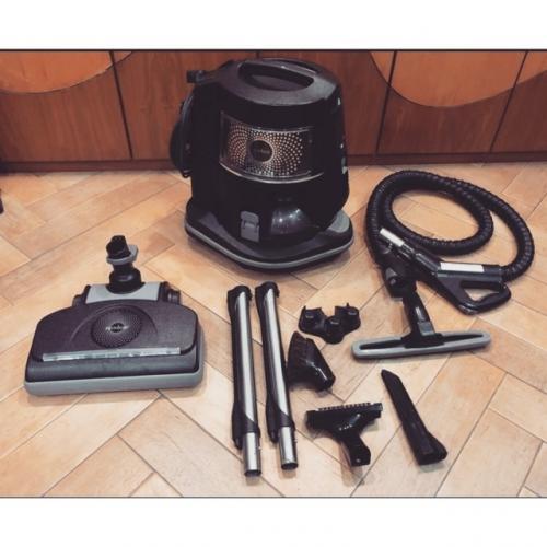 Aspirateur rainbow vacuum