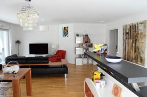 Belle appartement avec trés beau balcon (plan disponible)