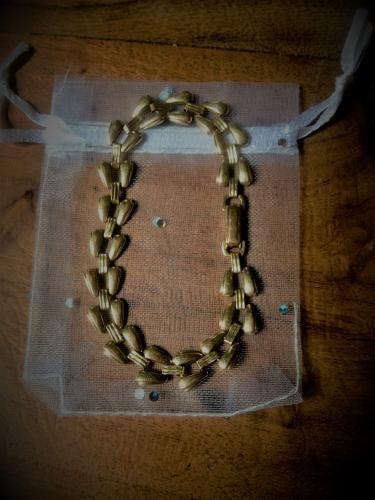 Cadeau bracelet f. 60 à 80 francs avec sachet et poche