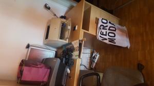 Bureau en bois Pfister en bon état