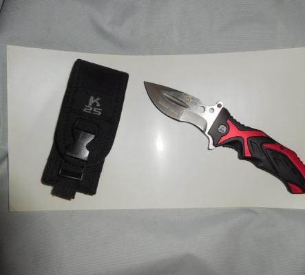 divers couteaux cran-d'arret
