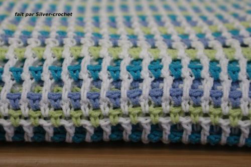 Couverture bébé au crochet - fil coton-acrylique