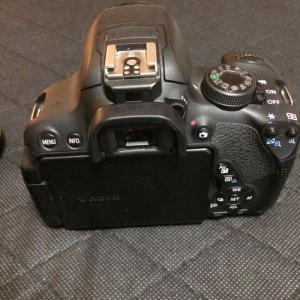 Appareil photo reflex numérique Canon EOS 700D