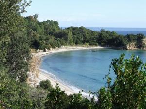 Corse -appartement  dans villa- 2CH -clim  - 200m mer