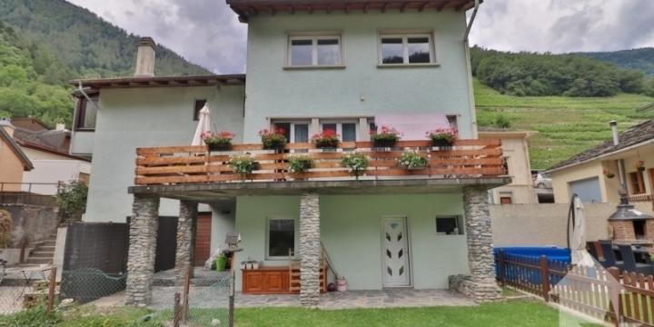 Charmante maison de 7 pièces située au hameau du Broccard