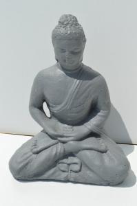 Bouddha en pierre grise