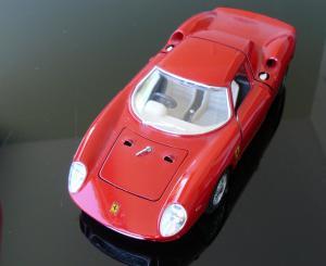 Ferrari 250 LM Bburago 1/24