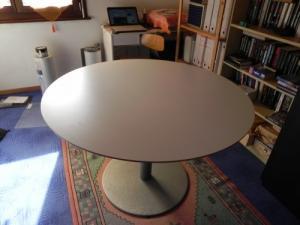 Table ronde  plateau en bois