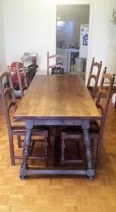 Magnifique table en bois massif