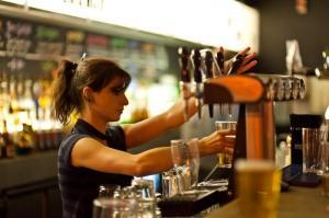 Serveur, barman à Londres !