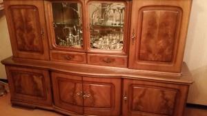 Buffet / vaisselier en bois.
