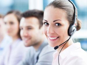 Le spécialiste de travail avec les clients