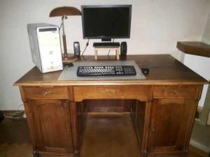 A vendre bureau + lampe