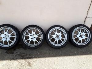 4 jantes alu AEZ 17 pouces + 4 pneu d'hiver Nexen