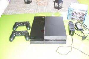 Playstation 4 avec des Jeux 2 Manettes