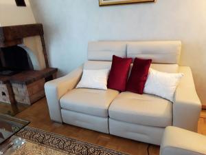 Canapés et fauteuils cuirs