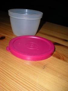 Divers boîtes Tupperware à saisir