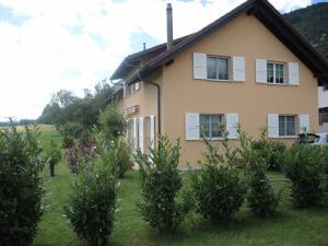 Magnifique villa indépendante de 6.5 pces + jardin d'hiver