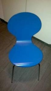 Chaise bleue pour bureau