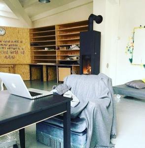 Places de travail atelier partagé/coworking à Renens