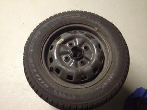 4 Jantes avec pneus neige 155/70 R13
