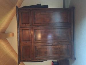 Magnifique armoire en bois
