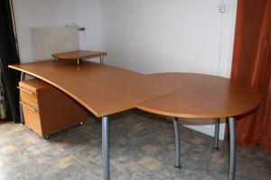 Superbe bureau secrétaire/table de conférence