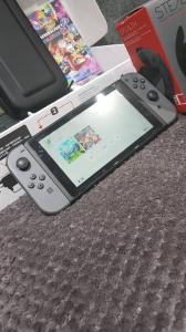 Nintendo switch/avec 2 jeux/2roulettes de course