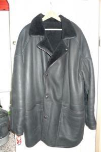 Manteau 3/4 en croute de cuir noir