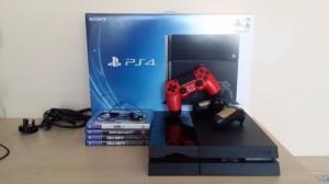 PS4 500gb + 4 jeux à vendre